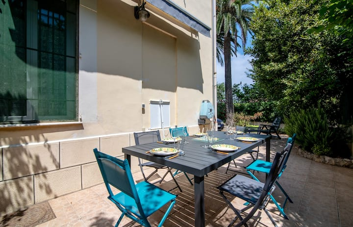 Bas de villa Nasta / Apartment in a villa near 100 meters from the beaches