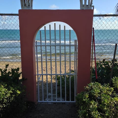 Casa Pozuelo Guest House - Guayama - Casa