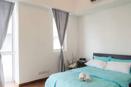 Kuala Lumpur master bedroom ensuite - Kuala Lumpur