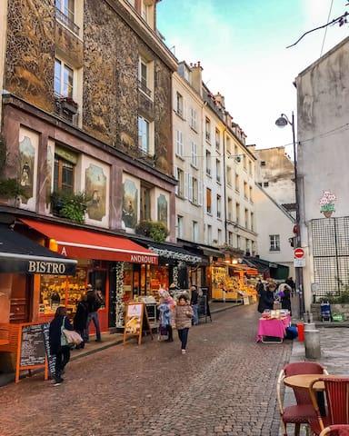 Vintage studio in the heart of historical quarter