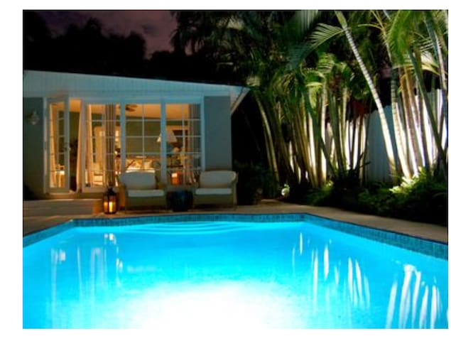 Tropical West Palm Beach Oasis-Minutes to Beaches
