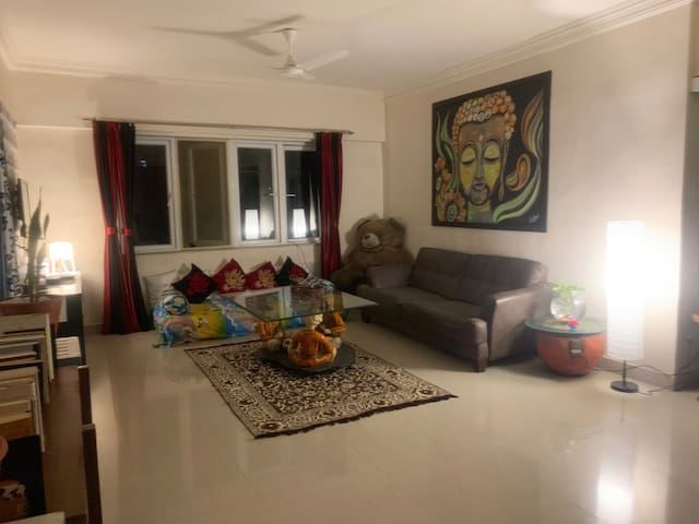 Spacious AC Homestay with Home Theatre & Projector