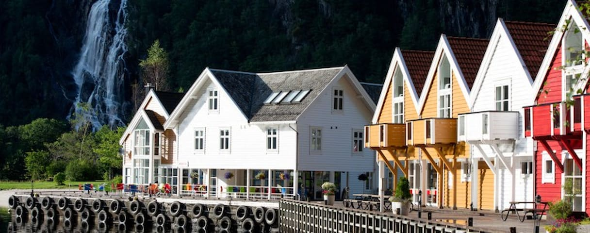 Beautiful Pearl in Osterfjorden- close to Bergen. - Modalen - Apartment