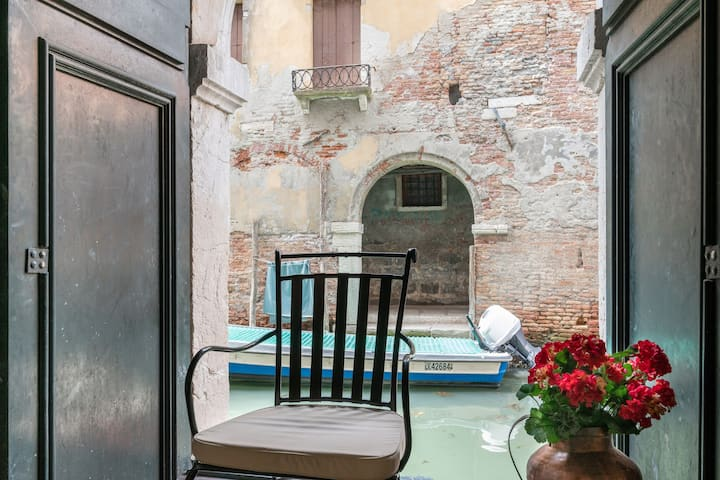 Venice Luxury Palace 11