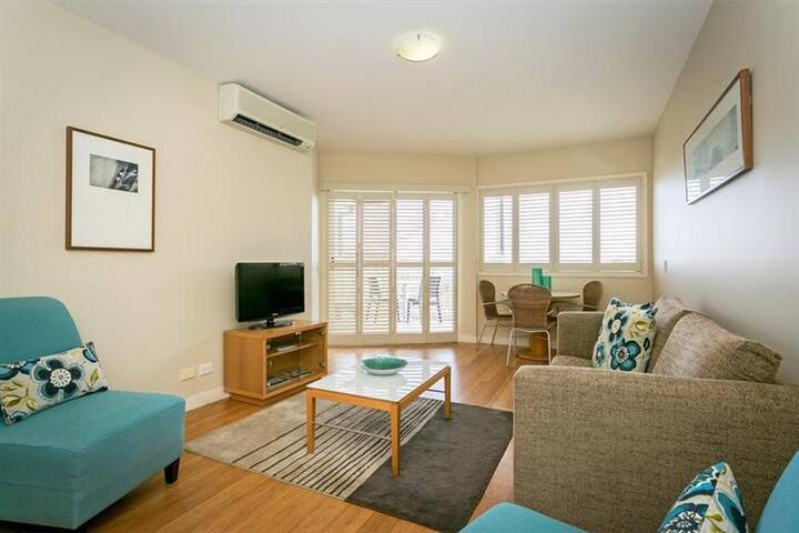 Great Double Or Twin With Double Bed At Port Stephens