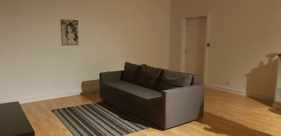 Bright Loft- 5 minutes away from Brussels airport