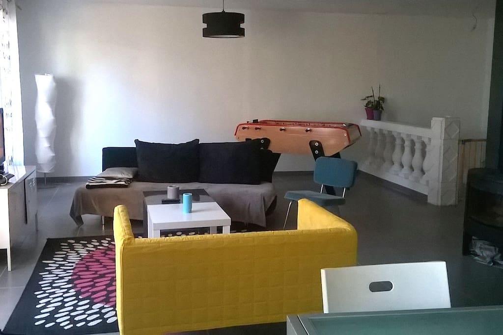 salon (living room)
