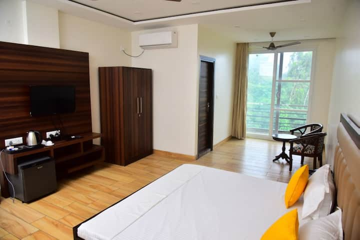 Serene Suites Bedroom 5