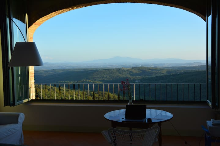 LA LOGGIA HOUSE.  STUNNING VIEW ABOVE THE CHIANTI