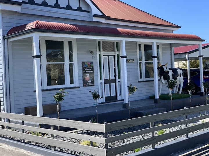 Cow Cottage: 3 bedroom  -  Central Wynyard.