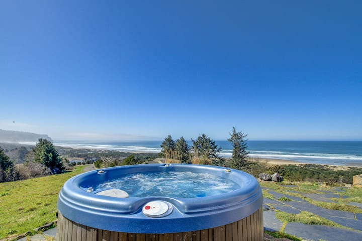 Gorgeous oceanfront home with great ocean views, free WiFi, and private hot tub!