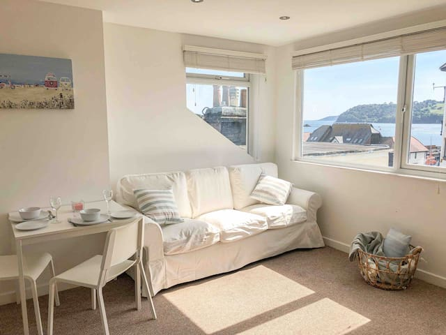 ★ Roof terrace w/ sea view★ West Hoe Hideaway
