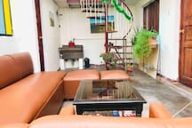Cool & Cozy Single bed in shared rm w/Rooftop View
