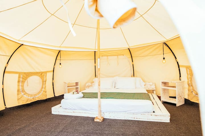 Tom Curren Glamping Tent with Pool