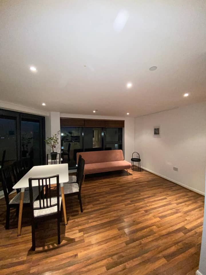 Luxury two bedroom apartment In Canary Wharf