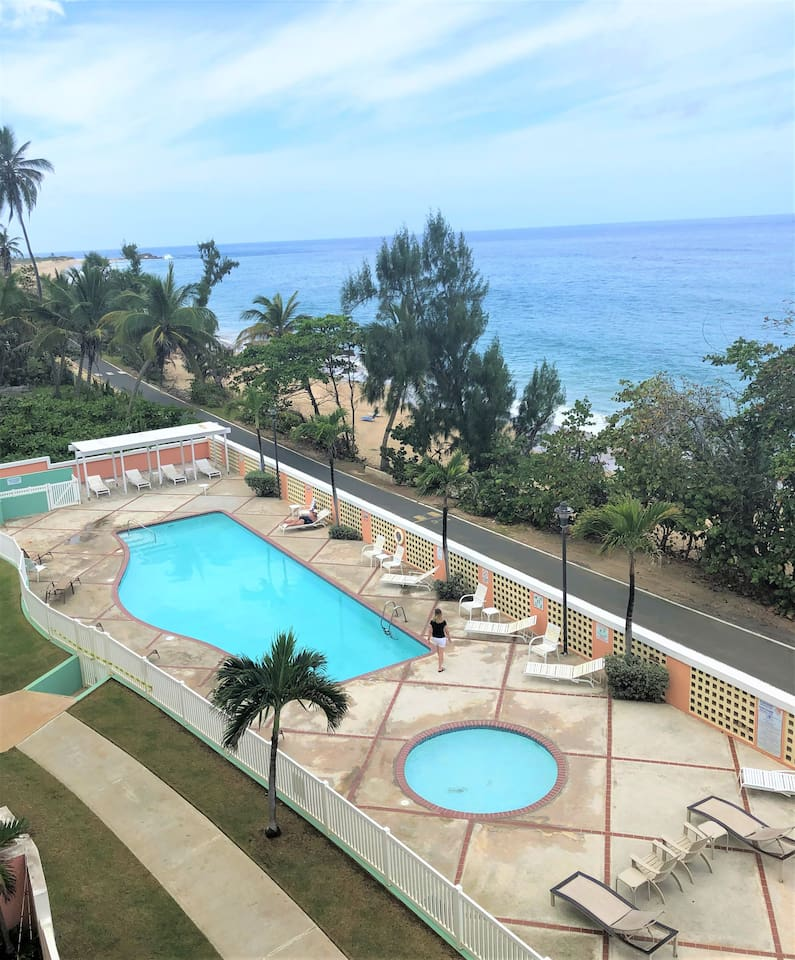 Swimming pool and children's wading pool. Refresh yourself or sunbathe anytime you want.
