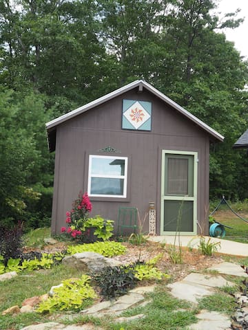 Eco-Cabin 1 on Franny's Farm- minutes to Asheville - Leicester - Cabana