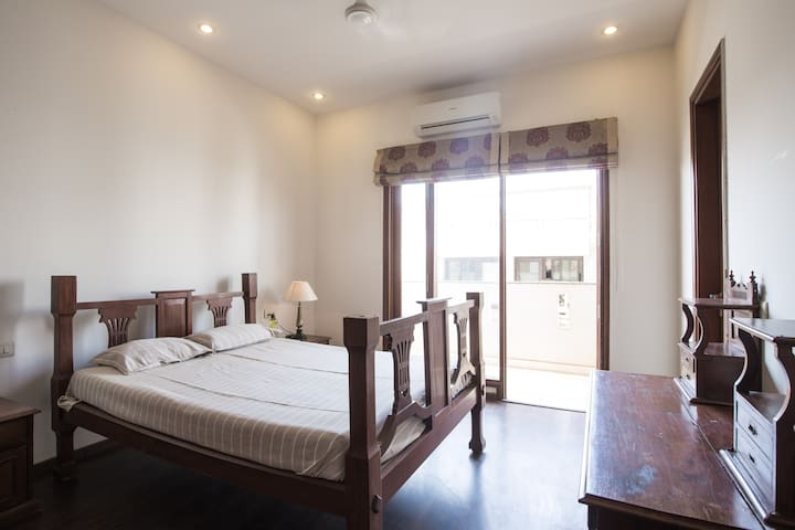 Modern Apartment Great View Central Gurgaon