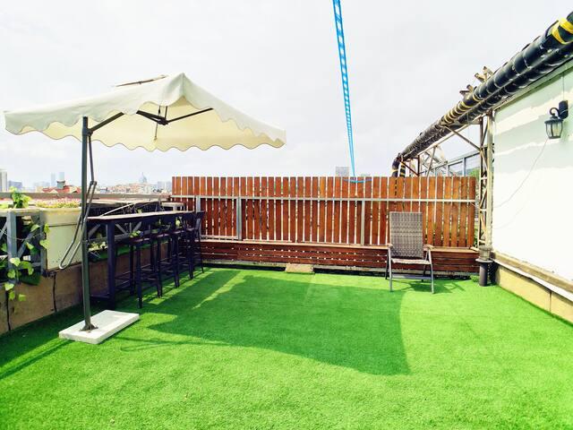 地铁口M2号线 五四广场极地海洋世界石老人海水浴场 可3人家庭房 前庭后院雅居田园风