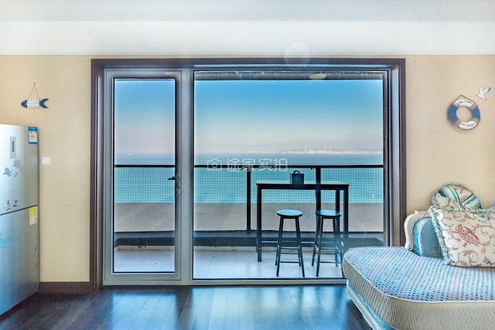 【地中海风】无敌海景看日出,紧邻威海公园刘公岛,干净舒适 可住4人.