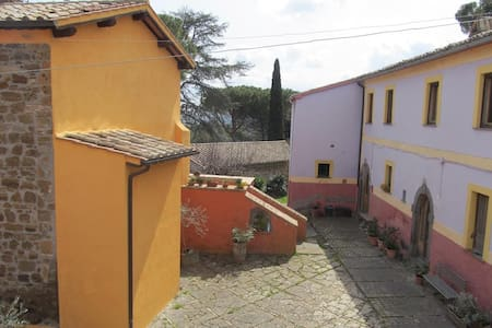 "Casa vacanze ""Piccolo Borgo"" - Celleno - Talo"