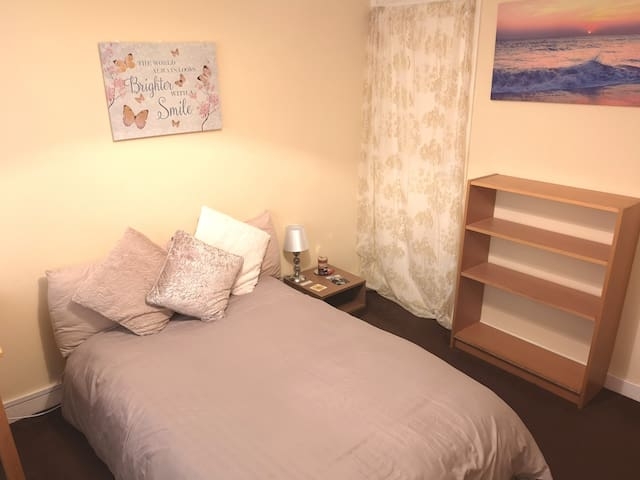 Double Room:  Female Students/Professionals Only