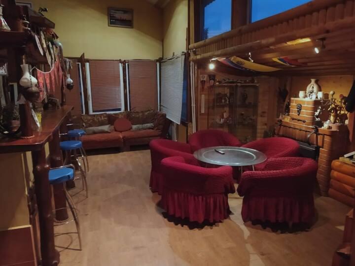 Двухэтажный бар-коттедж 💒