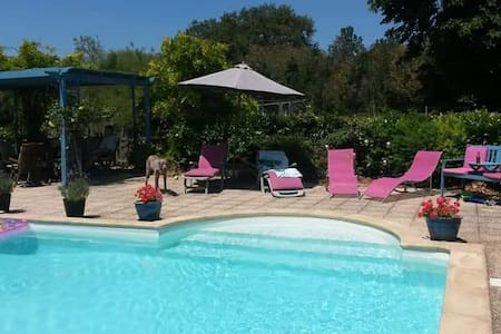 Farmhouse B&B with pool. Family suite sleeps 4
