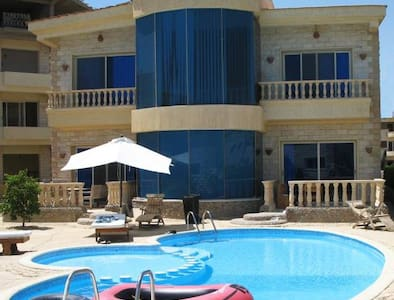 Beautiful Villa for rent in Compound - Qesm Hurghada