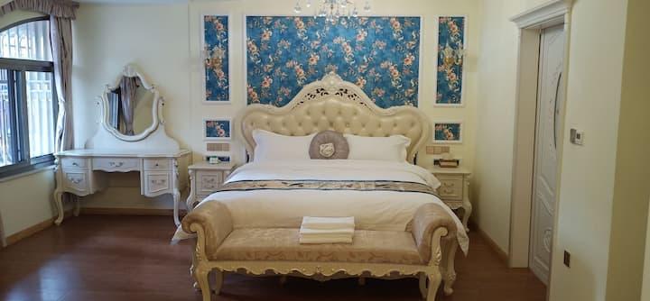 《凤凰港湾》A06欧式大床套房