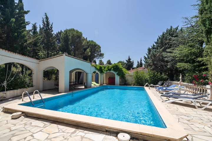 Majestic Villa in Pouzols-Minervois with private pool