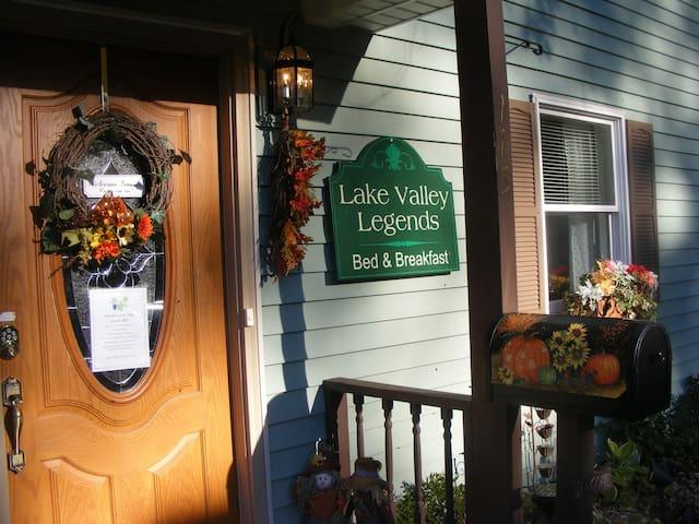 Garden Room, Lake Valley Legends, B&B