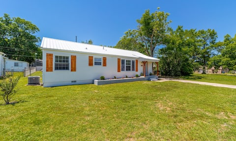 3 BR McAlester Home Close to Everything!