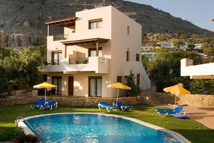 Beautiful Villa in Pefkoi Rhodes with Swimming Pool