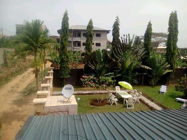 Studio Logbessou Lodge