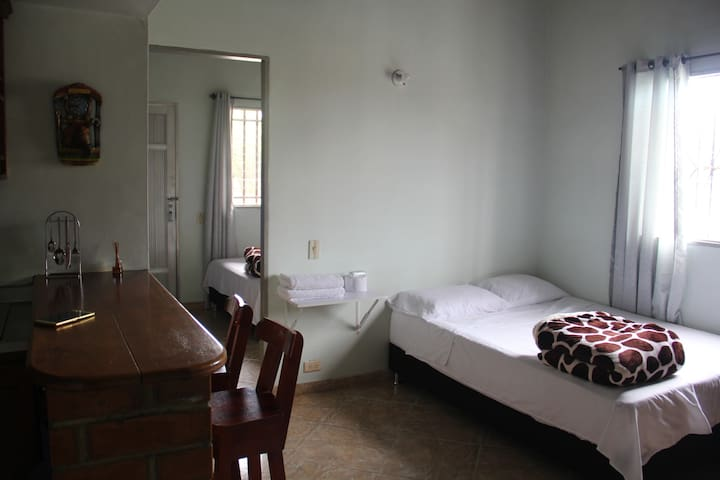 Apartamento Carmen de Viboral, buena ubicación.