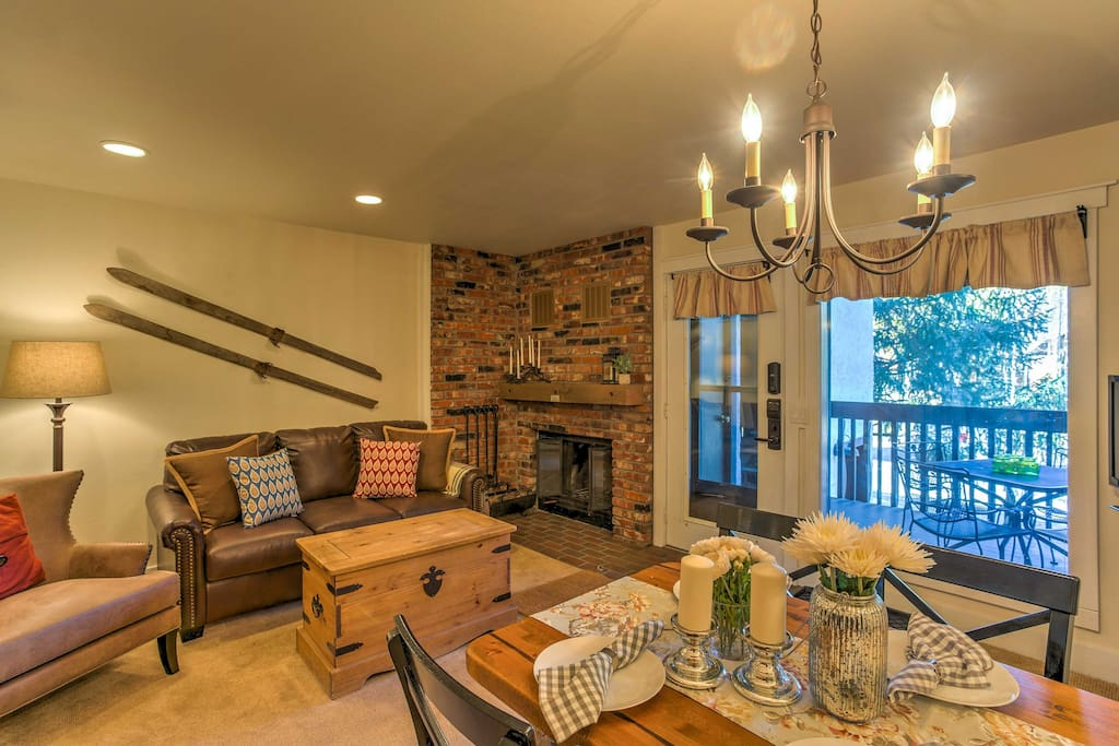 This condo boasts all the comforts of home and accommodations for 4 guests.