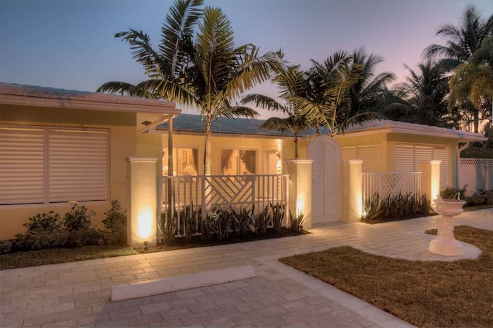 Luxury Rental - Less than 1 mile to the Beach 2600