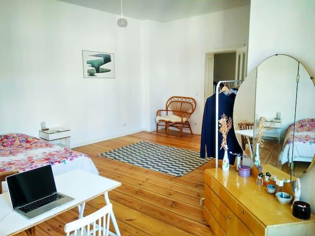 Room 3/3