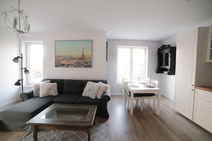 Przestronny Apartament Paris 350m od plaży