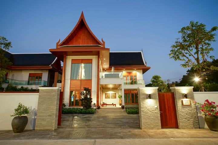 Valley View Villa - Private Pool / Free Airport Transfer & Free Breakfast  / Restaurant