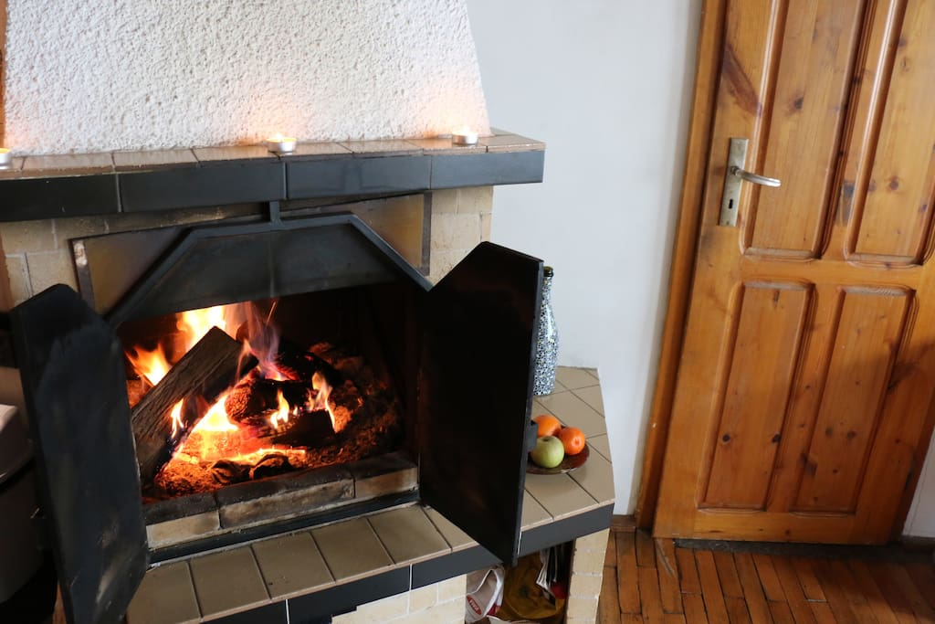 Fireplace & Kitchen Door