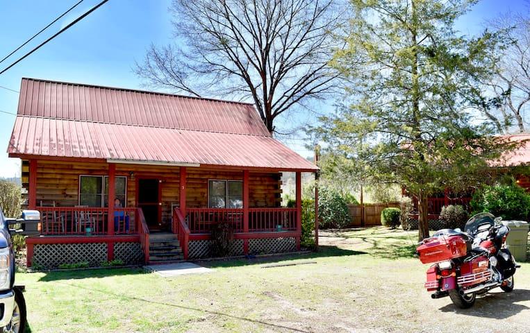 Rustic Cherokee Getaway - Cherokee - 小木屋