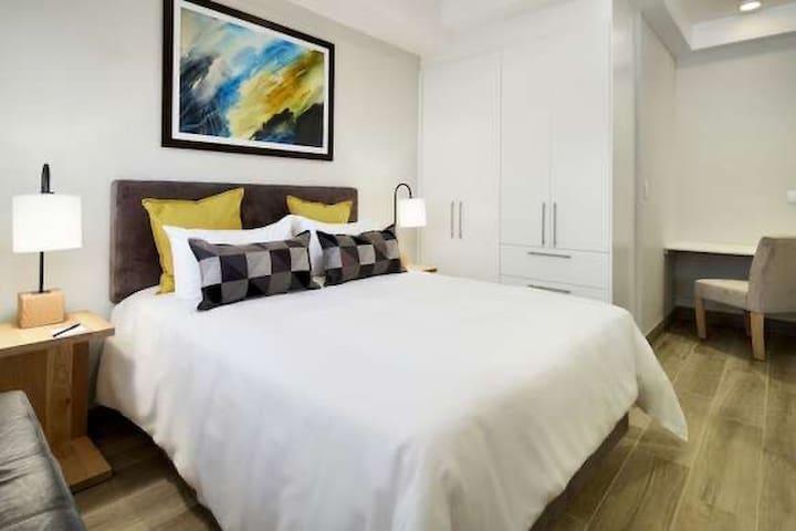 Exclusief hotel room in menlyn