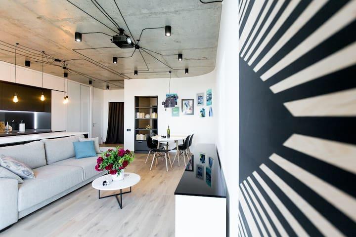 Luxury Designer Apartment!
