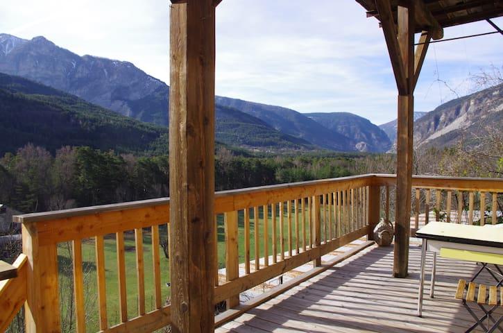 Belle vue, randonnée  et ski au soleil - Beauvezer - Departamento