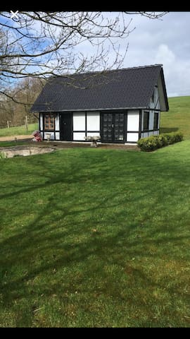 Idyllisk gæstehus beliggende i Vejle Ådal