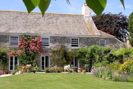 Luxury b&b by the Helford River - Bed & Breakfast