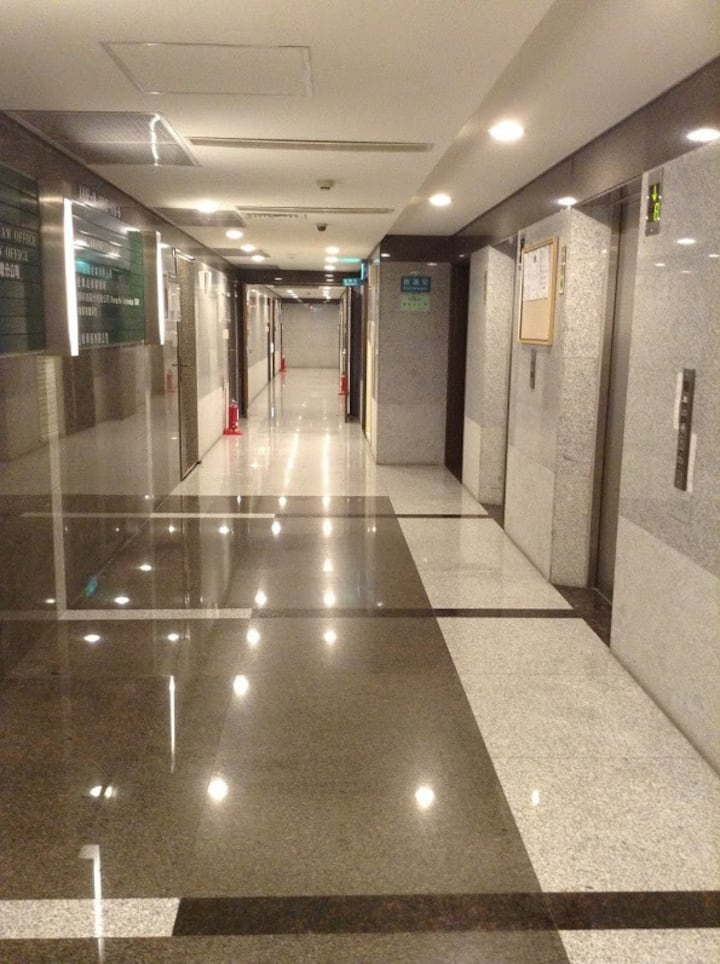 57811短期月租/台北車站 /西門 /臺大醫院 /飯店式管理WIFI 電梯3床5人/捷運紅藍綠線
