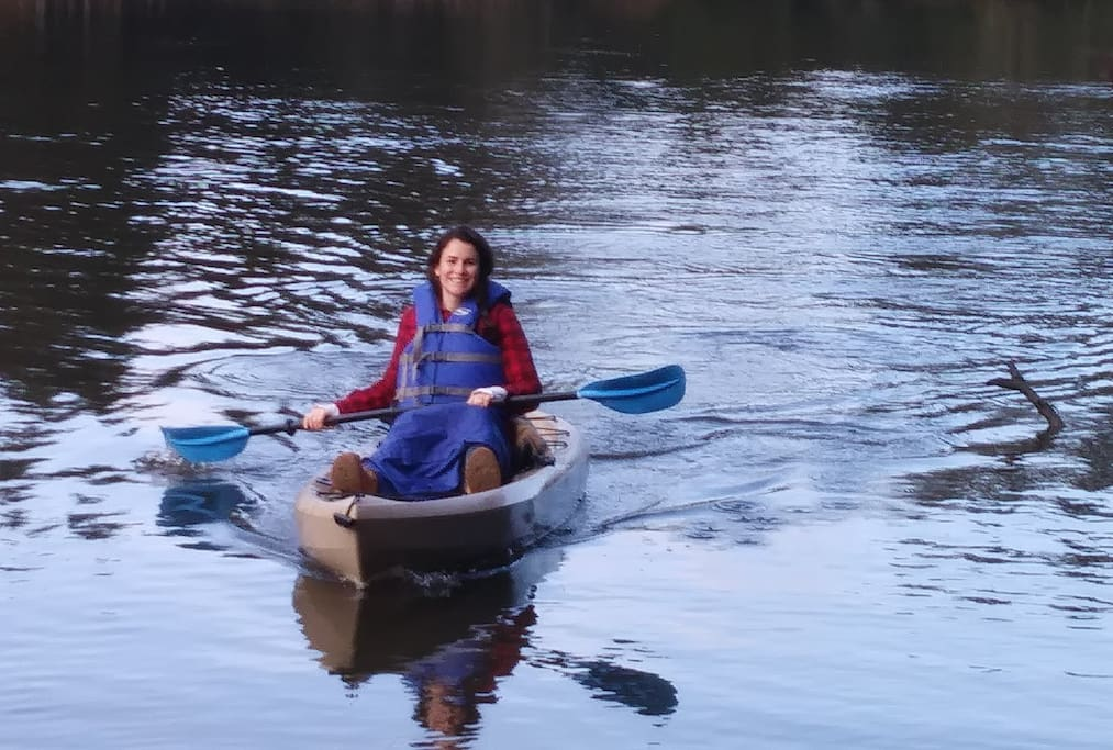 A previous guest out in one of our free-to-use kayaks. Life jackets in all sizes also provided. Launch right from our property at high tide!